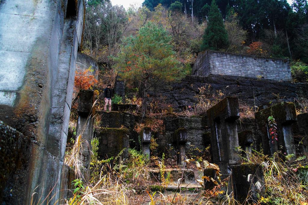 土倉鉱山でかくれんぼ