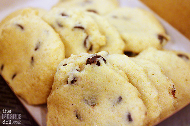 Chocolate Chip Cookies (P85 12pcs; P120 20pcs; P180 30pcs)