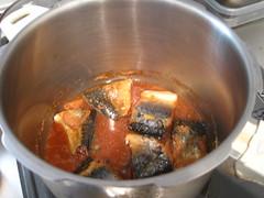 仕上げの調味料を加え、ひと煮立ちさせます