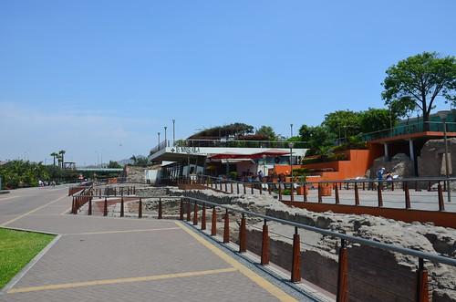 Am Ufer des Rimac wurden Teile der alten Stadtmauer Limas freigelegt.