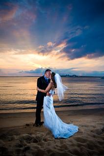 Keskin: Couple at Sunset