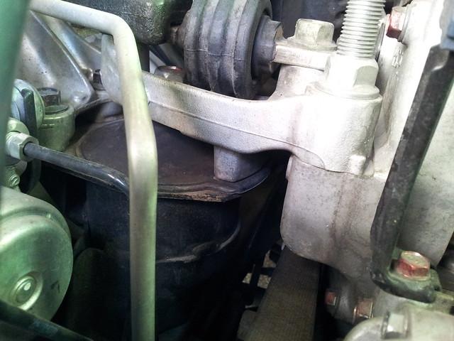 CIVIC 8 引擎腳斷裂更換