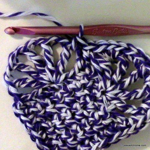 Large-Vintage-Heart-ready-for-border-on-second-bump