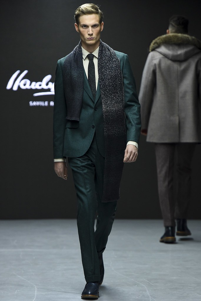 FW15 London Hardy Amies010_Felix Gesnouin(VOGUE)