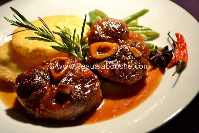 Jarret de porc caram lis sauce au vin cuit l 39 eau la bouche - Comment cuisiner le jarret de veau ...