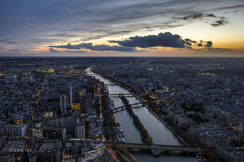 above sunset paris france beautiful night canon river lights golden amazing europa europe cityscape bridges frança lookout pôrdosol torreeiffel stunning siene sena cityoflights 60d irante