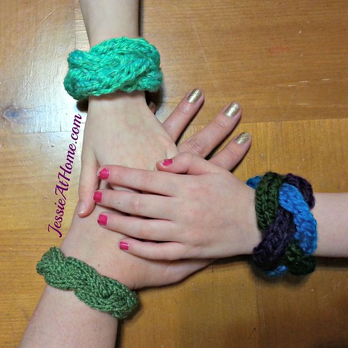 Braided-Cable-Bracelet-by-Jessie-At-Home-Free-Knit-Pattern