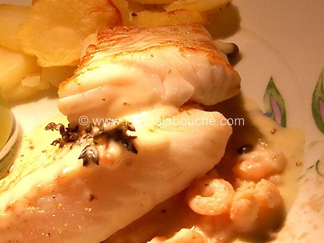 Dos de Cabillaud Sauce au Vin Blanc & Crevettes © Ana Luthi 004