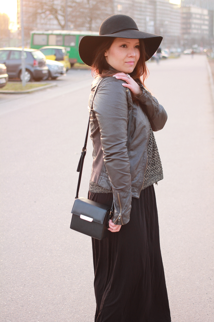 Maxi Skirt & Fedora Hat