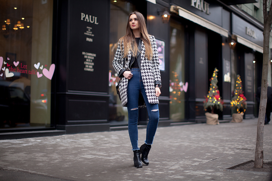 houndstooth-coat-high-waisted-jeans-outfit-street-style