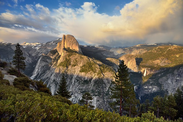 The Bookend View to a Beautiful Day in Yosemite! (Yosemite National Park)