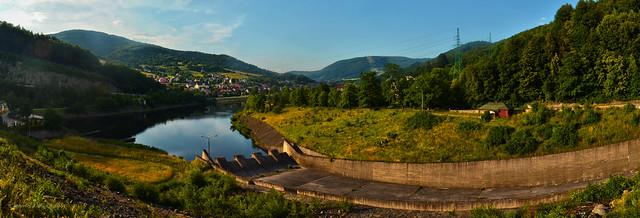 Dam in Tresna / Czernichów