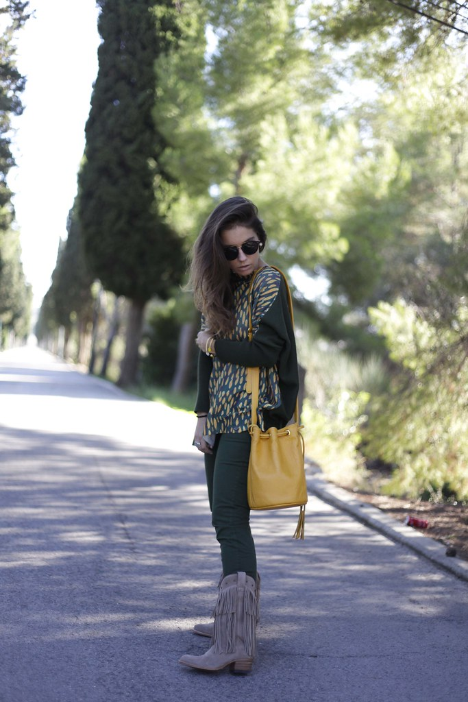 01_GREEN_LOOK_FOR_AUTUMN_WITH_RÜGA_FASHION_BLOGGER_THEGUESTGIRL