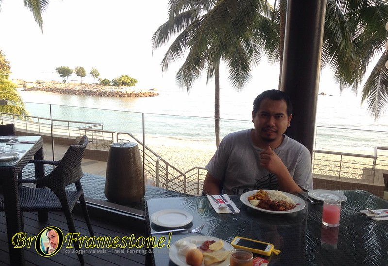 Breakfast Menghadap Pantai di The Eatery, Four Point by Sheraton, Penang
