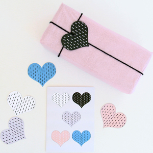 free pdf printable Valentine's Day card and gift tags paper goods