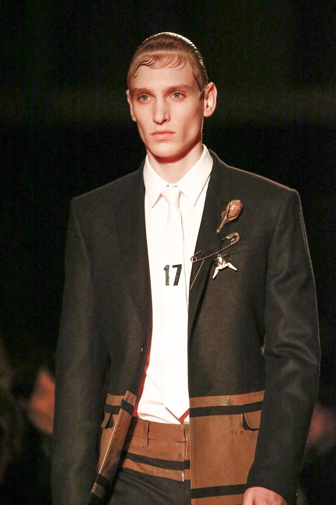 Jeroen Smits3210_FW15 Paris Givenchy(VOGUE)
