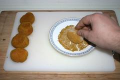 20 - Jakobsmuscheln in Salz-Curry-Mischung wenden…