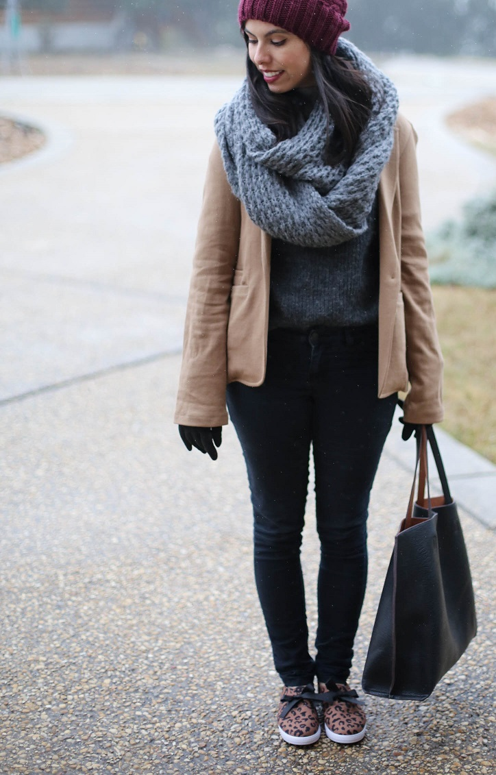 austin style blogger, casual winter outfit, nordstrom reversible tote bag, leopard sneakers, loly in the sky shoes