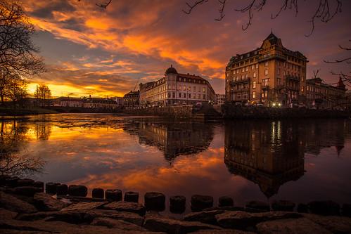 city sunset sky reflection building water night clouds buildings göteborg evening cityscape sweden gothenburg