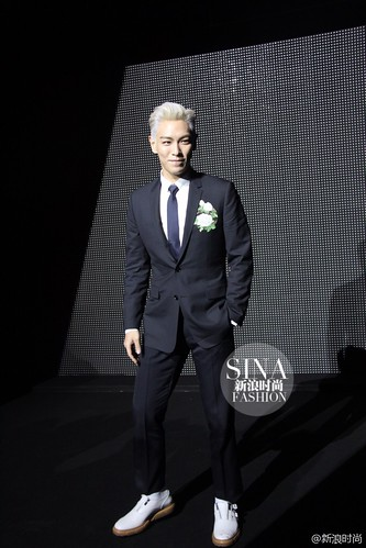 TOP - Dior Homme Fashion Show - 23jan2016 - sinafashion - 02