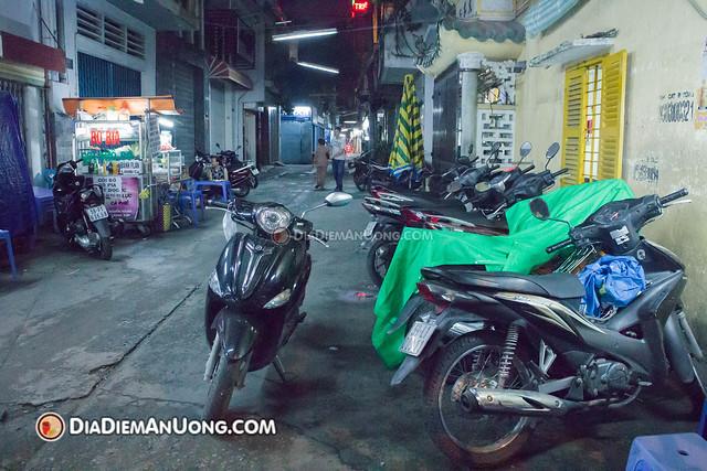 15680477807 b93f09328c z - Chè vỉa hè Võ Văn Tần - Không dành cho thực khách chuộng hình thức