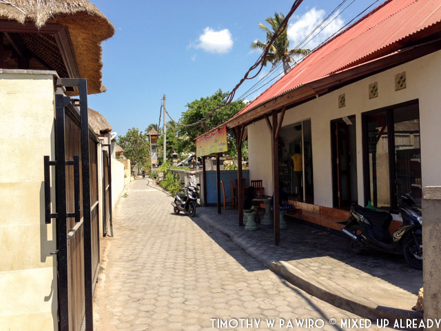 Indonesia - Bali - Nusa Lembongan Island - Lembongan Beach Club & Resort - The alley to the resort entrance