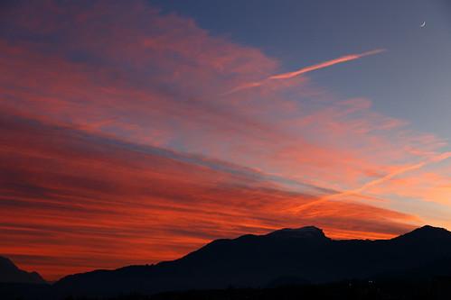 blue sunset red mountain mountains alps berg clouds landscape schweiz switzerland intense glow dramatic berge valley hour rheintal rhine gebirge schnitzler hoherkasten