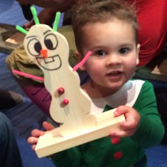 EIT (Elf in Training) at Santa's Toy Workshop at Farmpark.  #elf #frozen #olaf #Santa #toy #workshop #woodentoy #lakemetroparks #farmpark #countrylights #webstme #instagram