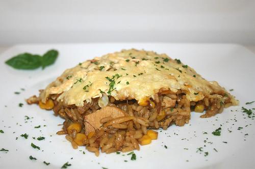 "53 - Turkey rice casserole ""Simbali"" - Side view / Puten-Reisauflauf ""Simbali"" - Seitenansicht"