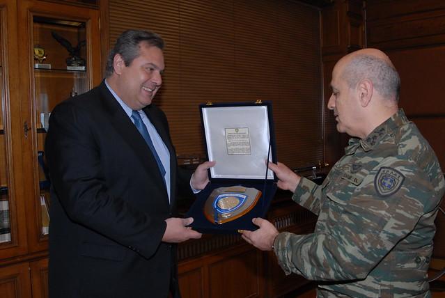 Δήλωση ΥΕΘΑ Πάνου Καμμένου μετά την επίσκεψη του στην 1η Στρατιά και στο ΑΤΑ
