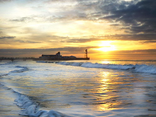 sea beach sunrise pier surf bournemouth bournemouthpier cobby31