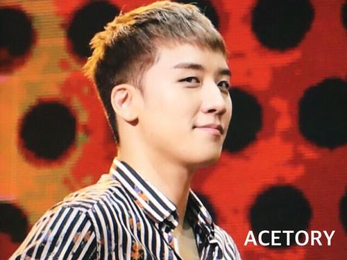 BIGBANG FM Beijing Day 2 2016-07-16 Seungri (16)