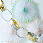 Gold & white paperchain garland