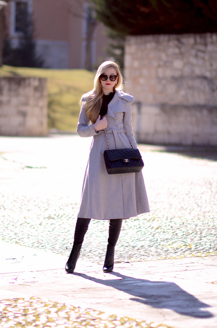 Grey coat (Oh My Vogue)