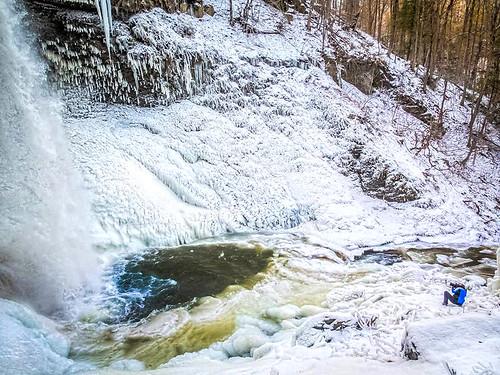 winter waterfalls fingerlakes cayuga skaneateleslake winterhiking carpenterfalls