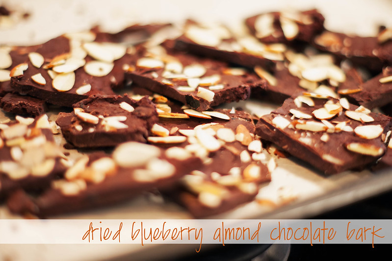 cute & little blog | dried blueberry almond chocolate bark recipe, dove fruits blueberries | #LoveDoveFruits
