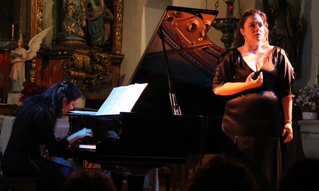 PILAR VÁZQUEZ, MEZZOSOPRANO & ELISA RAPADO, PIANO, EN SONIDOS DE INVIERNO - CEREZALES DEL CONDADO - 4.01.15