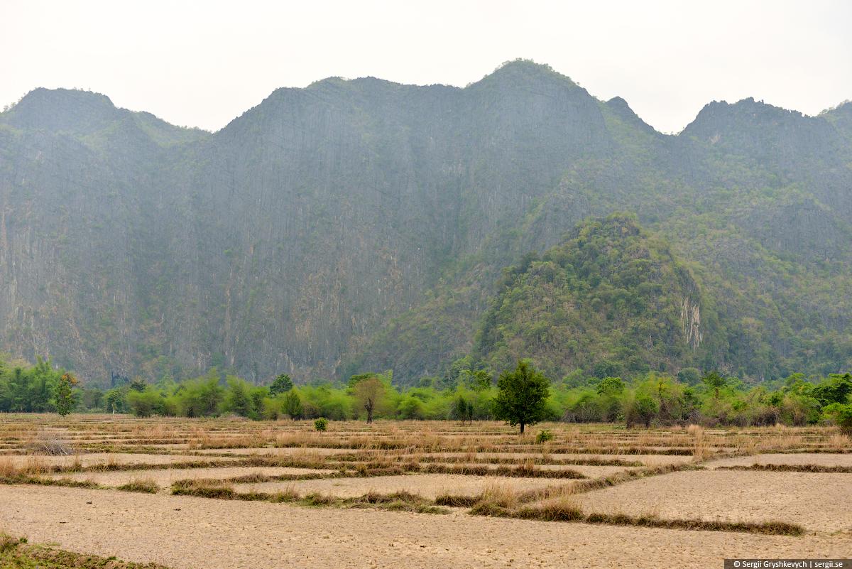 Kong_Lor_Phu_Hin_Bhun-15