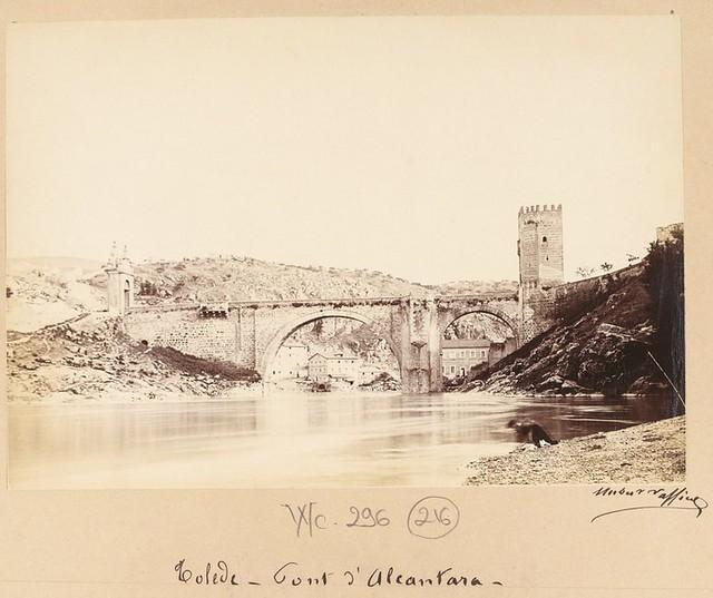Playa de Safont y Puente de Alcántara en 1889. Fotografía de Marie Hubert Vaffier © Bibliothèque Nationale de France