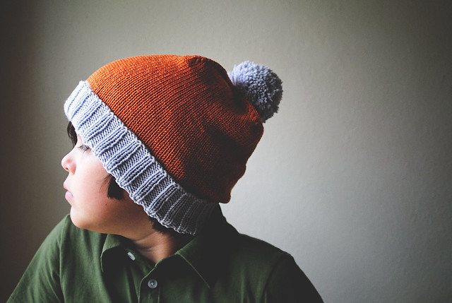 Two-colour beanie