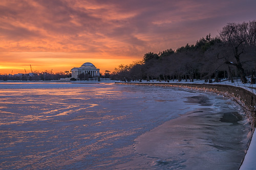 Jefferson Memorial Before Sunrise by Geoff Livingston