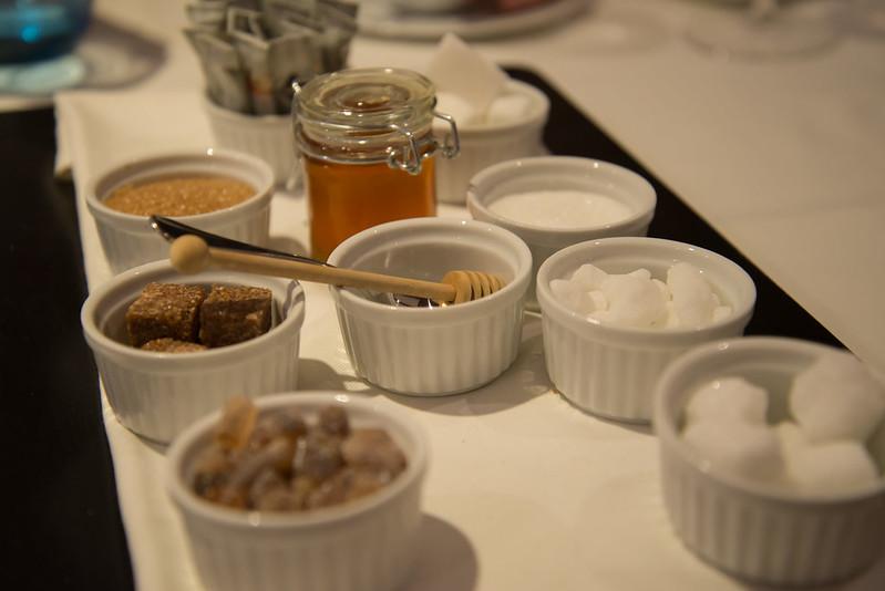 Selección de miel y azúcares para el café y el té - Club de las Cenas Secretas en Atelier Belge