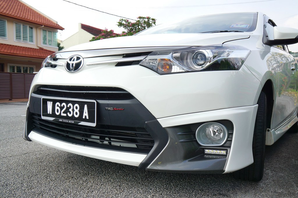 interior - rebecca saw - car reviews - toyota vios TRD