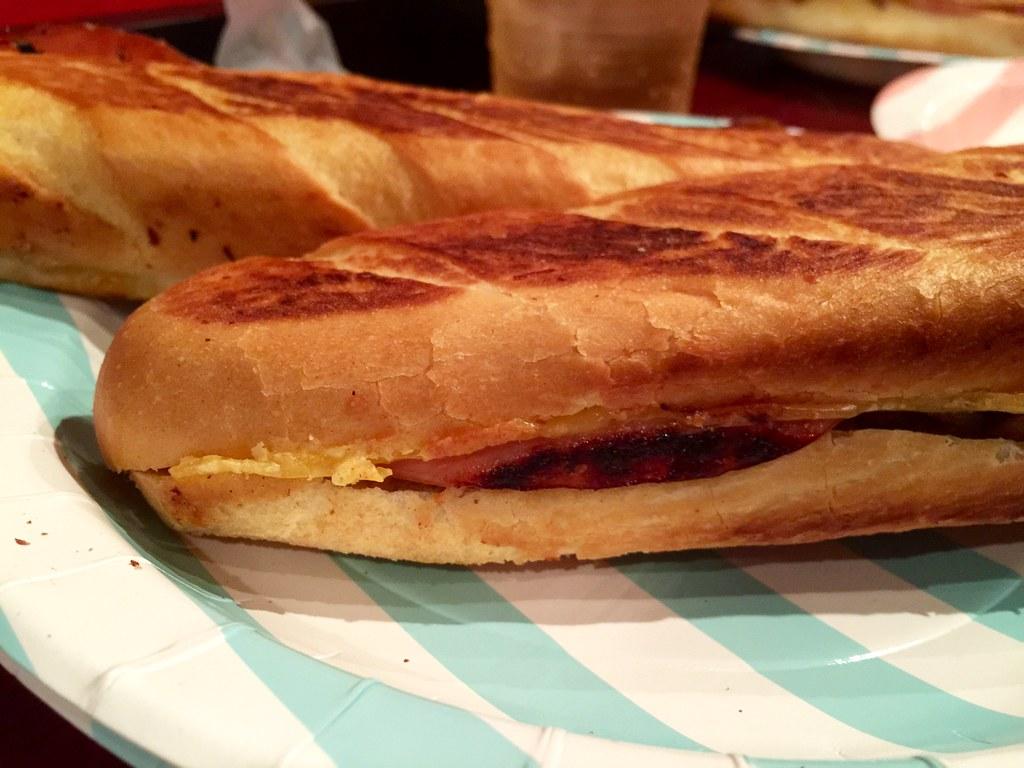 試写会で提供されたキューバサンドイッチ