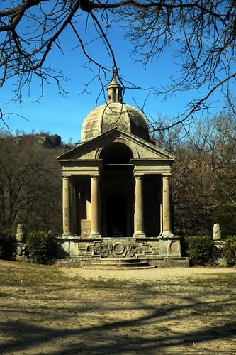 Parco dei Mostri: tempio del Vignola