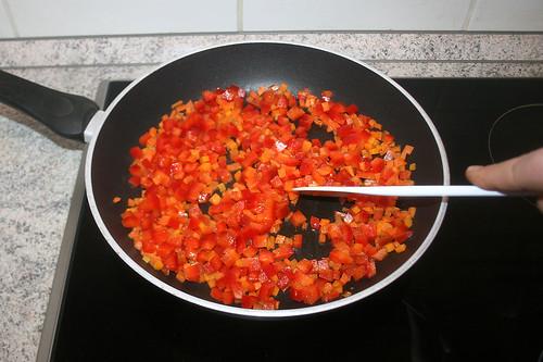 33 - Paprika anbraten / Braise bell pepper