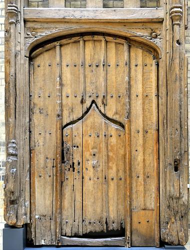 Oak door from timber-framed house, Ipswich, UK, 1500-30 - Victoria and Albert Museum, London