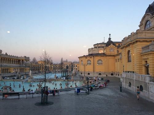 Sz�chenyi Bath at dusk