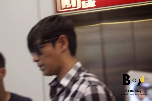 TOP-HongKongAirport-26sep2014-Fansite-819BadBoy-07