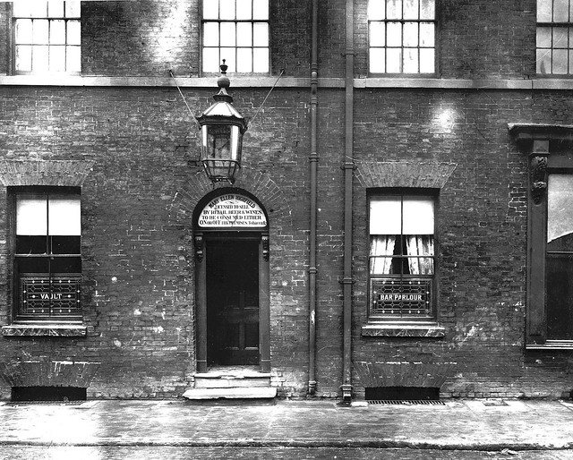 Queen Public House - 24th May, 1913